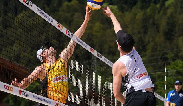 Alle Frauen-Duos in Ko-Phase - Foto: FiVB