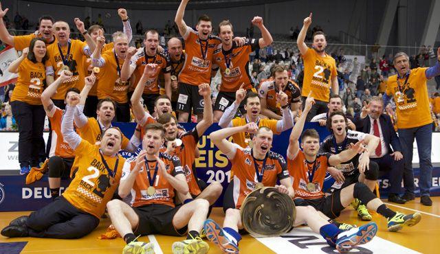 Die Teams beim Supercup: Das sind die BR Volleys! - Foto: Günter Kram