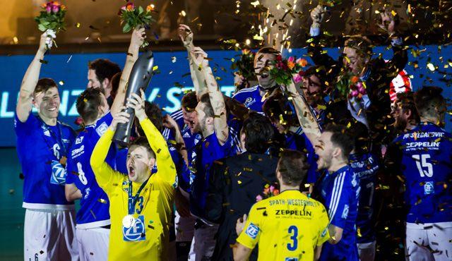 Die Teams beim Supercup: Das ist der VfB Friedrichshafen! - Foto: Nils Wüchner, nils-wuechner.de