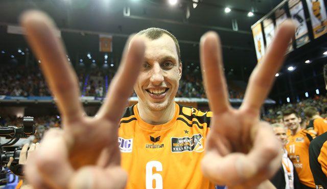 Volleyballer setzen Zeichen für den Nachwuchs! - Foto: Eckhard Herfet