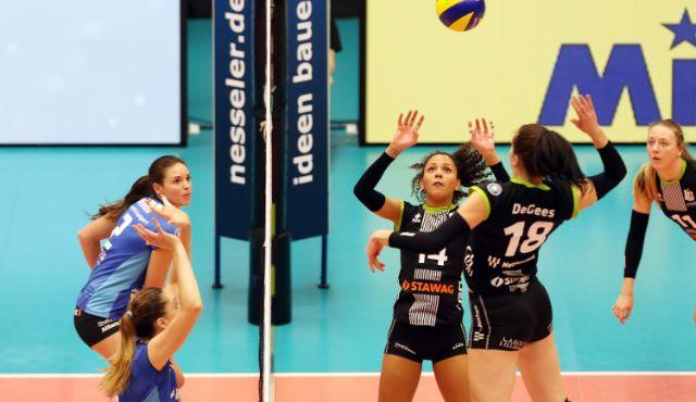 Ladies in Black verlieren das DVV-Pokal-Halbfinale gegen Stuttgart mit 1:3 - Foto: Ladies in Black Aachen // Andreas Steindl