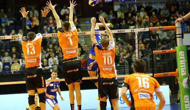 Spitzenspiel im Volleyballtempel - Foto: Eckhard Herfet