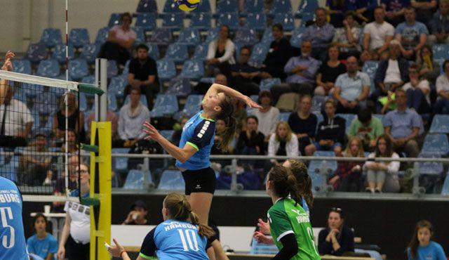 Volleyball-Team Hamburg reist nach Schwerin - Foto: VTH-Kapitänin Daniela Eixenberger im Angriff