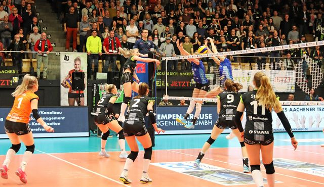 Ladies in Black verlieren in begeisterndem Spiel mit 1:3 das zweite Halbfinale gegen Stuttgart - Foto: Ladies in Black Aachen\\ André Schnittker