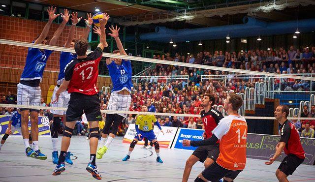 Trotz Niederlage gegen VfB Friedrichshafen: SSC Karlsruhe feiert Volleyball-Fest im DVV-Achtelfinale - Foto: Andreas Arndt