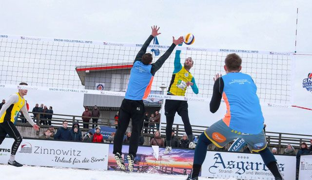 Titelambitionen im Schnee ::: 1. Deutsche Snow-Volleyball Meisterschaft am Sahnehang in Winterberg  - Fotoquelle: Sportplatz