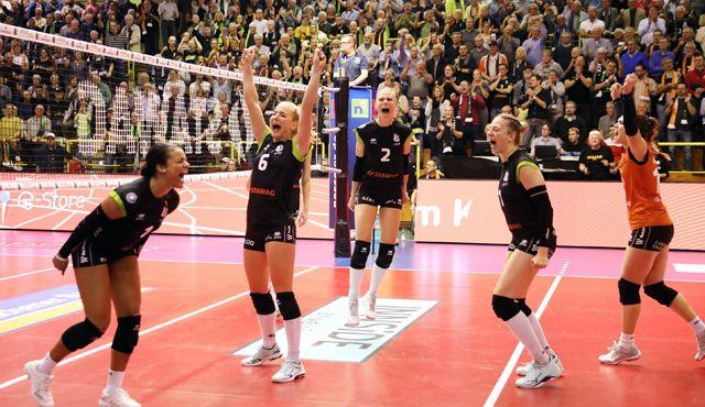 Aachen fiebert Potsdam entgegen - Foto: Ladies in Black Aachen\\ ASt