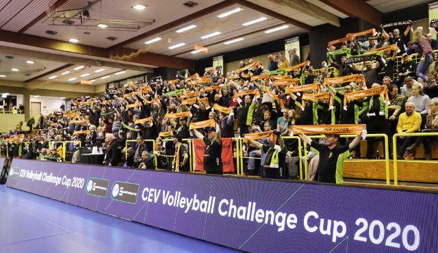 Auch abseits des Spielfeldes sind Aachens Fansbesonders! - Foto: Ladies in Black Aachen