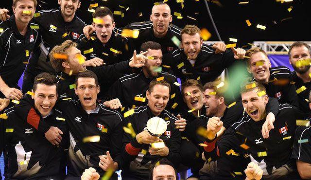 Kanada gewinnt ganz souverän - Foto: FiVB