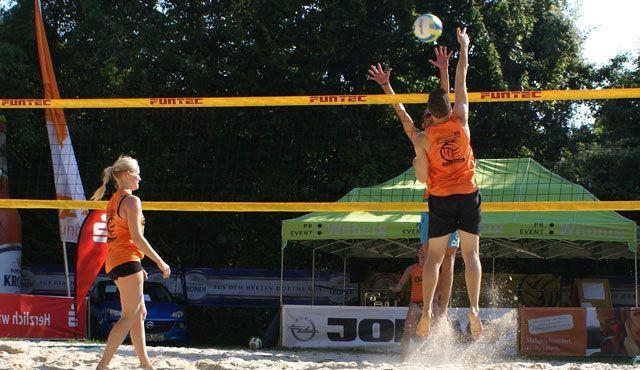 Beachvolleyball-Teams auf Titeljagd - Die besten Westdeutschen Mixed-Teams auf dem Holzwickeder Court - Foto: p:e:w