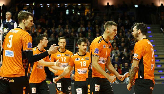 Nach Volleyball-Wahnsinn im Playoff-12 der Königsklasse - Foto: Eckhard Herfet