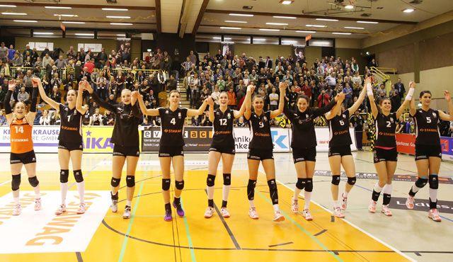 Ladies in Black erwischen bei ihrem 3:1 über den KSC einen Sahnetag - von Ladies in Black // Andreas Steindl