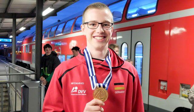 U18-Volleyball-EM: Volley YoungStar kommt mit Gold nach Hause / Großer Bahnhof für Tobias Hosch - Foto: Günter Kram