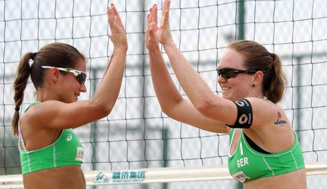 Zwei Frauen-Teams makellos - Nur Fuchs/Windscheif im Männerfeld weiter - Foto: FiVB