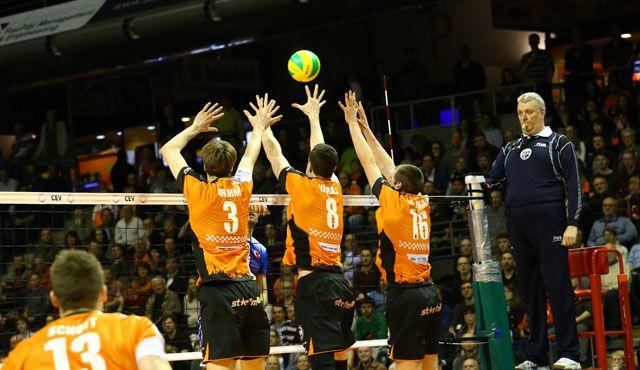 Im Volleyballtempel ist alles möglich - Foto: Eckhard Herfet
