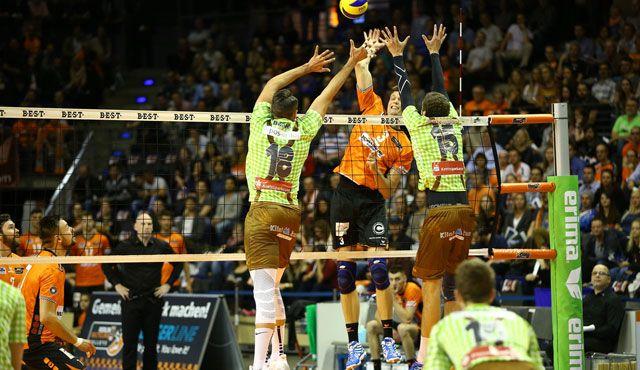 BR Volleys beißen sich zum erfolgreichen Heimauftakt - Foto: Eckhard Herfet