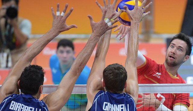 Italien schießt Frankreich ab - Foto: FIVB