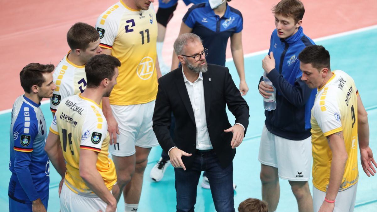 Friedrichshafen holt die Fans in die Halle - Foto: Kram
