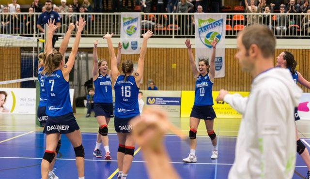 Dritter Doppelspieltag in Folge für die DSHS SnowTrex Köln-Volleyballerinnen - Foto: Martin Miseré