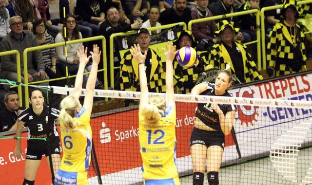 Ladies in Black verlieren das Spitzenspiel der Liga mit 0:3 - Foto: Ladies in Black Aachen
