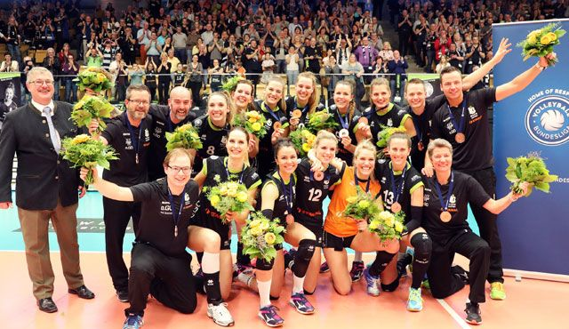 Maaseiker Rekordkulisse würdigt famose Saison Aachens - Foto: Ladies Black Aachen // Andreas Steindl