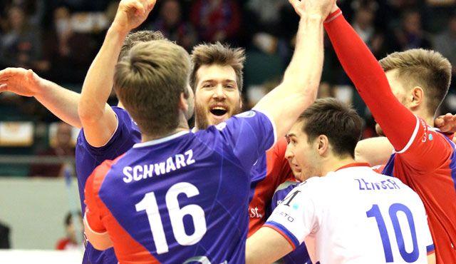 Mit Kawumm gegen KW - Foto: United Volleys/Gregor Biskup