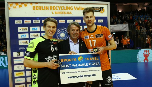Zwei Youngster begeistern den Volleyballtempel - Foto: Eckhard Herfet