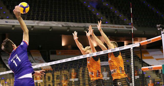 Volleyball Supercup: Aufschlag auf neuem Terrain  - Foto: Eckhard Herfet