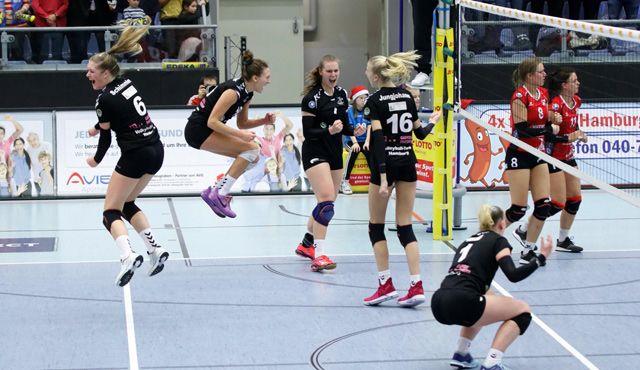 Volleyball-Team Hamburg gewinnt das Weihnachtsspiel gegen Aligse - Foto: Senger