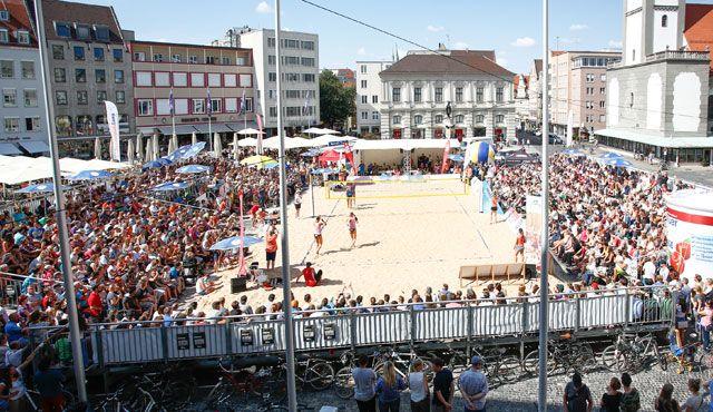 Bayerische Cup-Meisterschaft Auftakt für großes Beach-Event am Rathausplatz - Foto: Doller