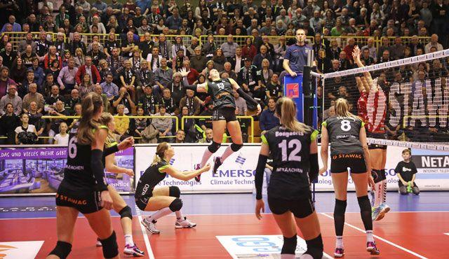 Am 28.12. empfängt Aachen Pokalfinalist Wiesbaden - Foto: Ladies in Black Aachen // Andreas Steindl