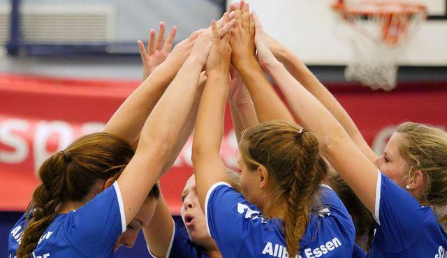 Heimspiel zum Jahresabschluss für den VC Allbau Essen in der Sporthalle Bergeborbeck - Foto: Michael Gohl