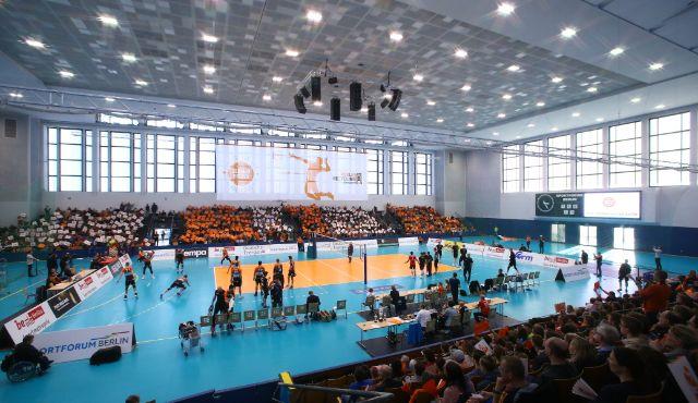 Rekordkulisse feiert Volleyball-Party im Sportforum - Foto: Eckhard Herfet