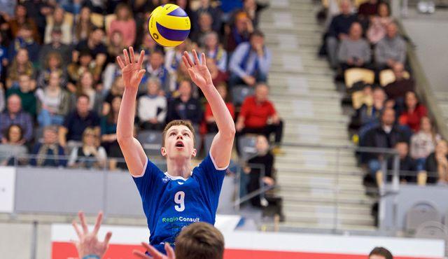 Pampel ist zu stark für die YoungStars  - Foto: Günter Kram