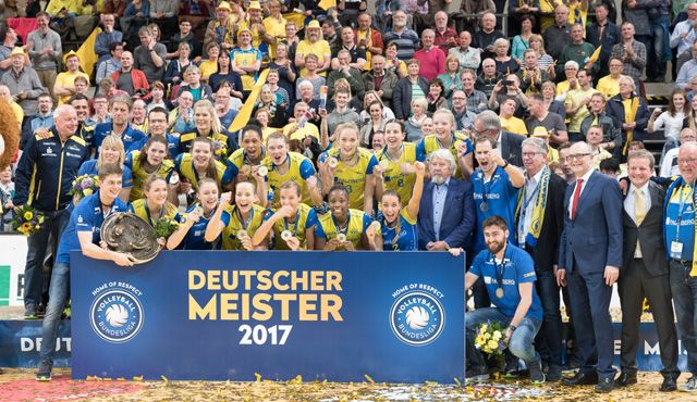 Die Teams beim Supercup: Das ist der SSC Palmberg Schwerin! - Foto: Erhard Heiden/EH Foto
