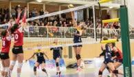 Brachten an Karneval einen 3:1-Erfolg aus Oythe mit: Die Zweitliga-Volleyballerinnen vom Team DSHS SnowTrex Foto: Martin Miseré