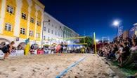 Einzigartige Atmosphäre – Beim BVV Beach Masters in Mühldorf wird am Samstagabend bis spät in die Nacht Beachvolleyball der Extraklasse geboten  Foto: TSV Mühldorf