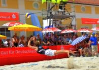 Spektakuläre Flugeinlagen sind beim BVV Beach Masters der Kategorie 1+ im Klosterbauhof Ebersberg zu erwarten Foto: Lothar Forstmair/beach2go
