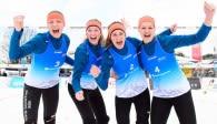 Das Team Ruth Kolokotronis/Karolin Reich/Katja Sallie/Silke Schrieverhoff freut sich über das Halbfinale. Foto: Conny Kurth / DVV