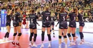 Ladies in Black gewinnen im Hexenkessel klar mit 3:0