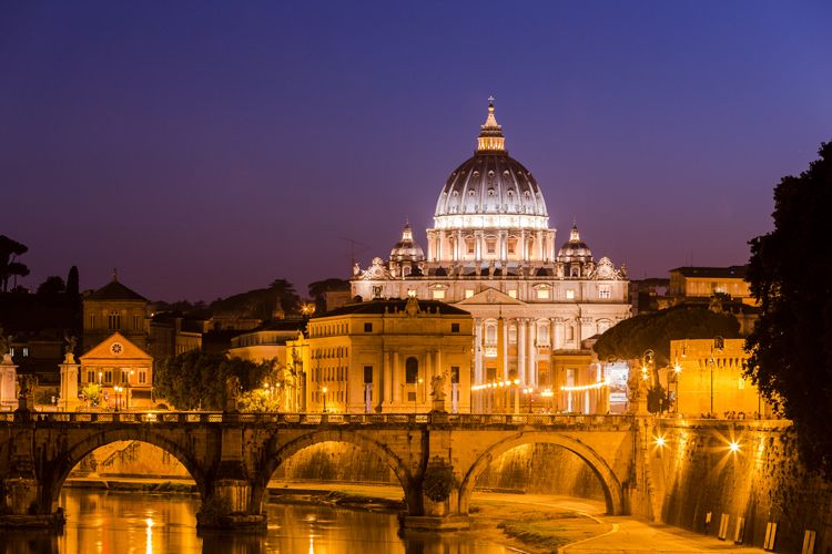 Night view at St. Peter's Cathedral in Rome, Italy