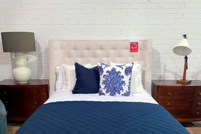 Maxime Queen Bed <Br /> Clearance