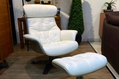 Charles Recliner & Ottoman <Br /> Clearance