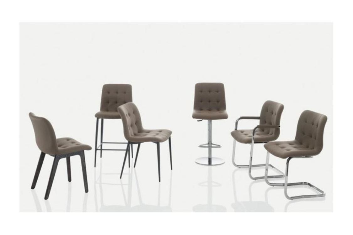 Kuga family (906 x 550) 800x600 Kuga family (906 x 550)-800x600.jpg Sveva chair