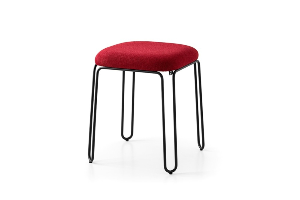 Stulle cb2100 P15 SLF copy Stulle_cb2100_P15_SLF copy.jpg connubia 2020 occasional dining stool