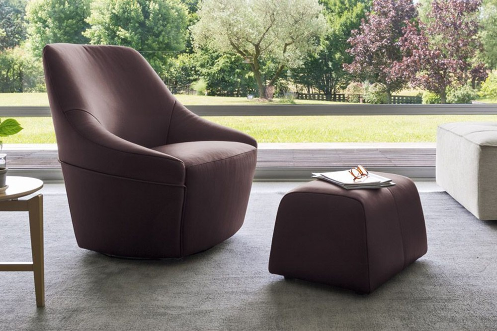 cs 3366 a lh 01.jpg Alma Swivel Armchair_ By Calligaris_ Made in Italy_ Designed by Bernhardt & Vella _Decorative stitching_ Cold cured Polyurethane foam_ Single or two tone colour fabric or leather covers cs 3366 a lh 01.jpg