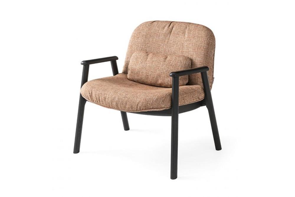 Baltimora%201.jpg Baltimora Chair_ By Calligaris_ Made in italy_Designed by Michele Menescardi_Ash wood frame_Semi elliptical Design_Soft Upholstery_ Lumbar support pillow Baltimora%201.jpg
