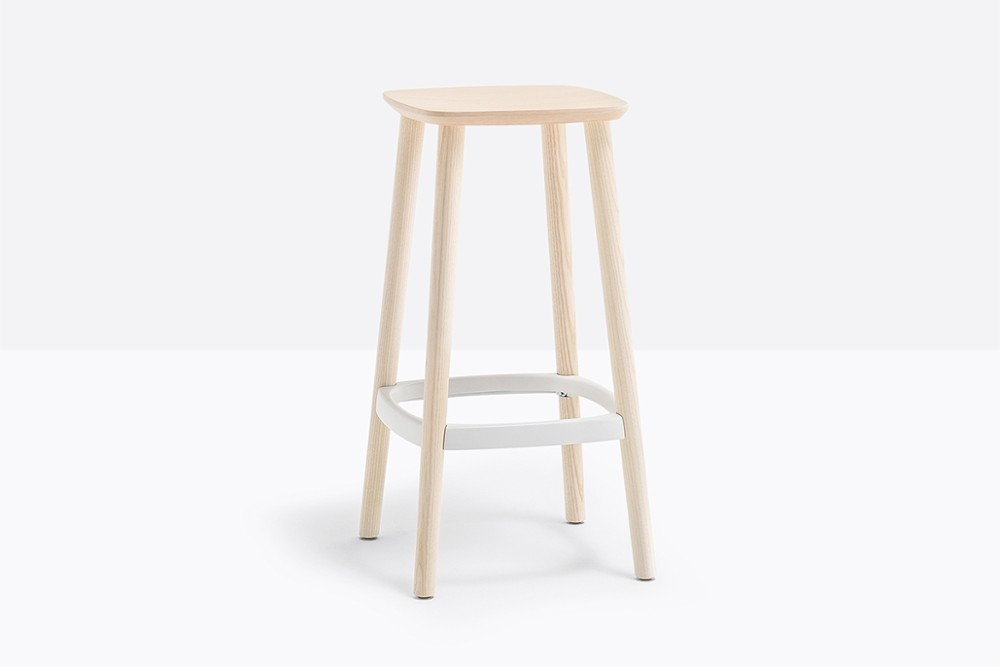Babila 2702 02 zoom.jpg Babila stool_ Pedrali_ Italy_Simplistic_Direct_Tapered legs_Ash wood_Plywood seat Babila 2702 02 zoom.jpg
