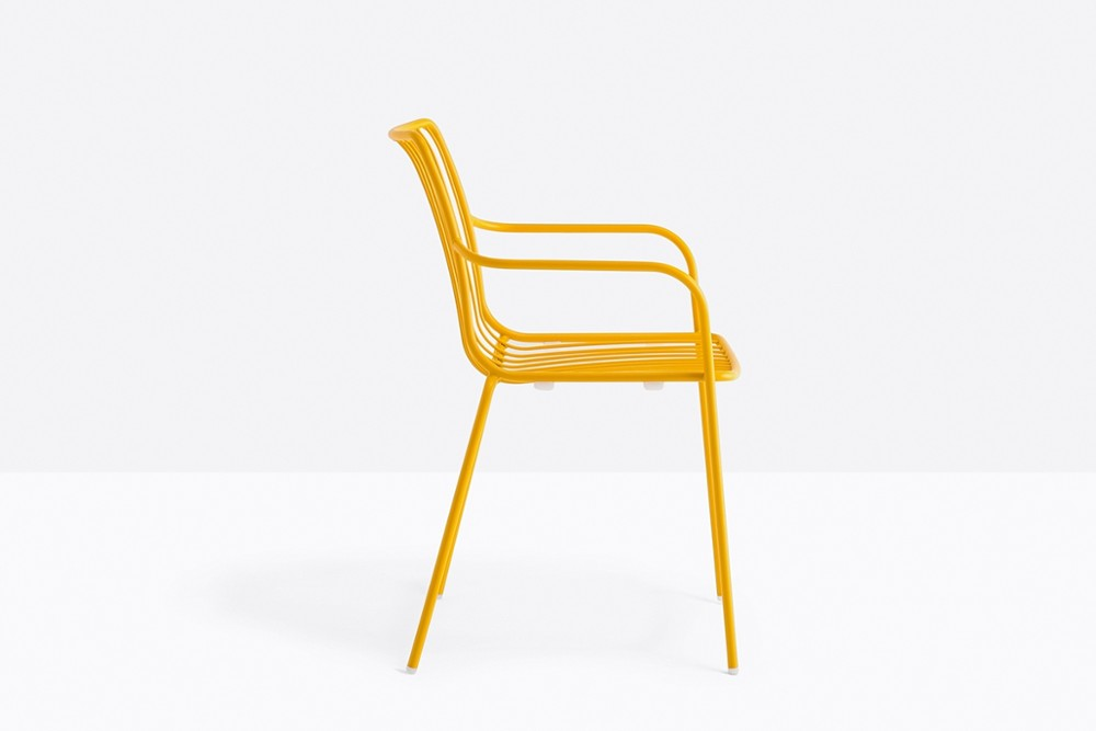 Nolita 3656 07 zoom.jpg Nolita carver chair_ DESIGN:CMP DESIGN_outdoor seatings_ metal garden chairs_Armchair with high backrest_completely made of steel and designed specifically for outdoor use. Stackable. A seat cushion is also available. Nolita 3656 07 zoom.jpg