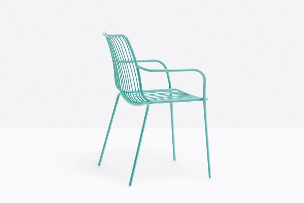 Nolita 3656 03 zoom.jpg Nolita carver chair_ DESIGN:CMP DESIGN_outdoor seatings_ metal garden chairs_Armchair with high backrest_completely made of steel and designed specifically for outdoor use. Stackable. A seat cushion is also available. Nolita 3656 03 zoom.jpg